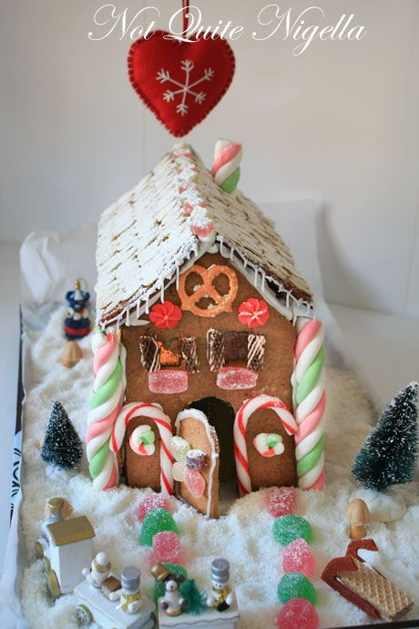 gingerbread house 3-1
