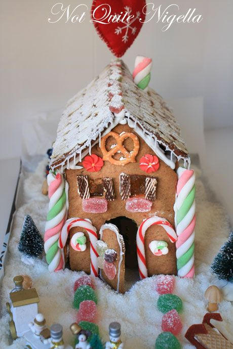 gingerbread house 5-1