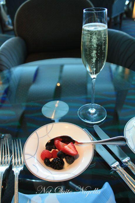 burj al arab dubai champagne