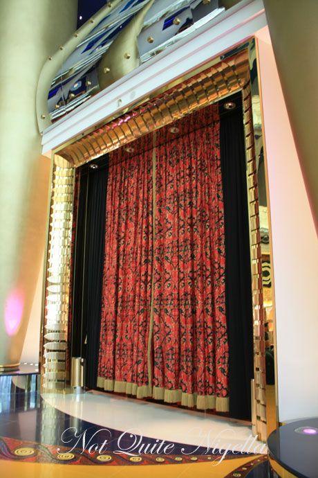 burj al arab dubai restaurant curtains