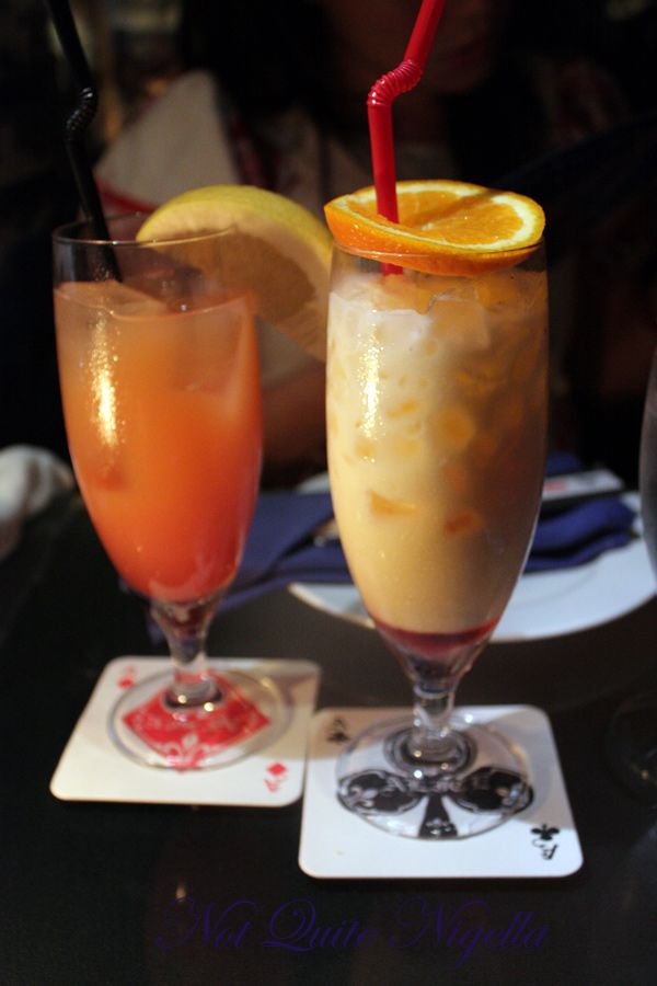 Alice in Wonderland Fantasy Dining Ginza drinks