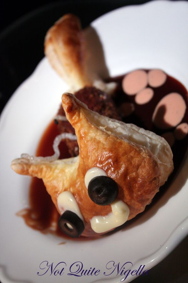Alice in Wonderland Fantasy dining Ginza Cheshire cat