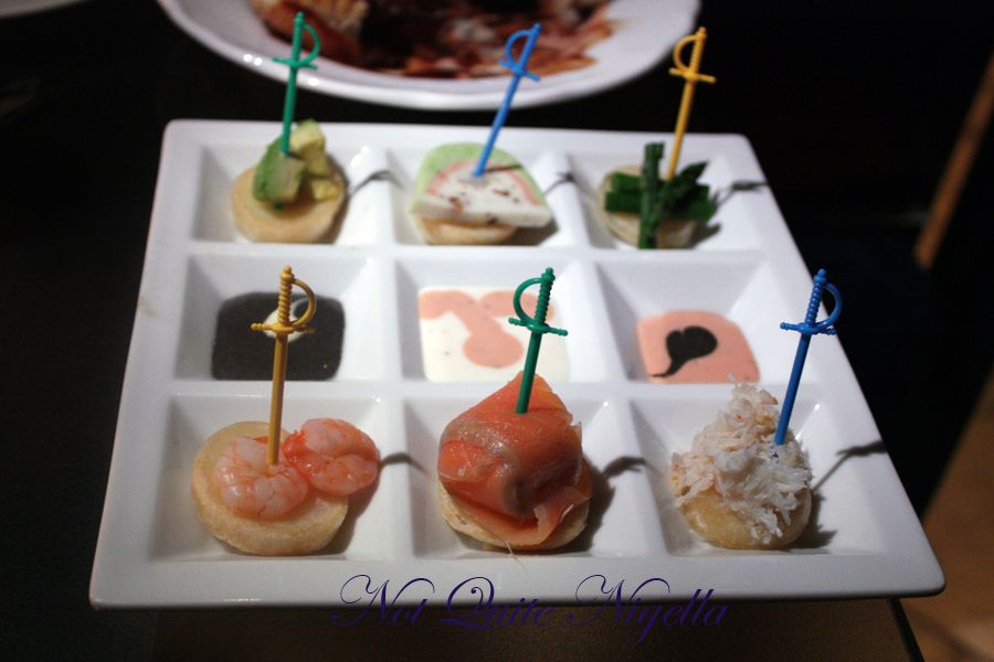 Alice in Wonderland Fantasy dining Ginza Hors Deauvres