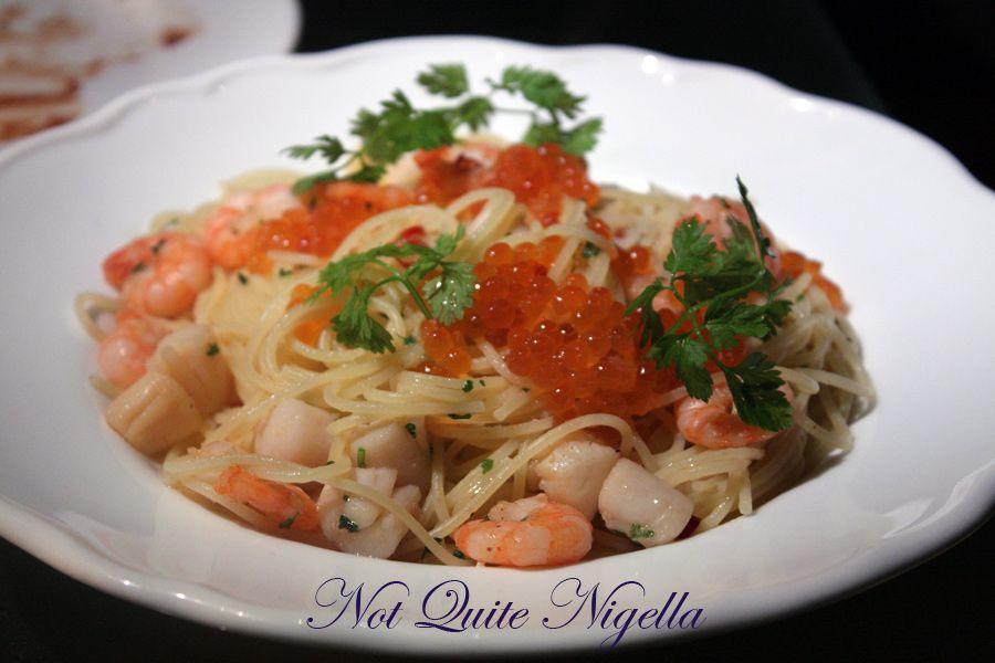 Alice in Wonderland Fantasy Dining Ginza spaghetti