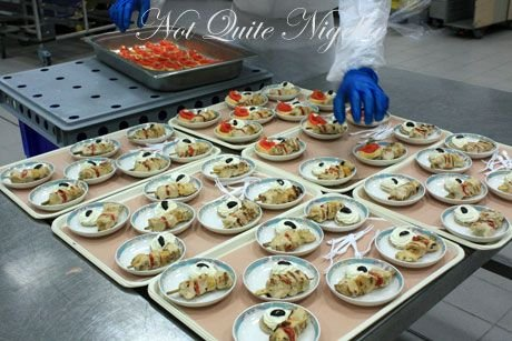 emirates airline food ekfc1 canapes 2
