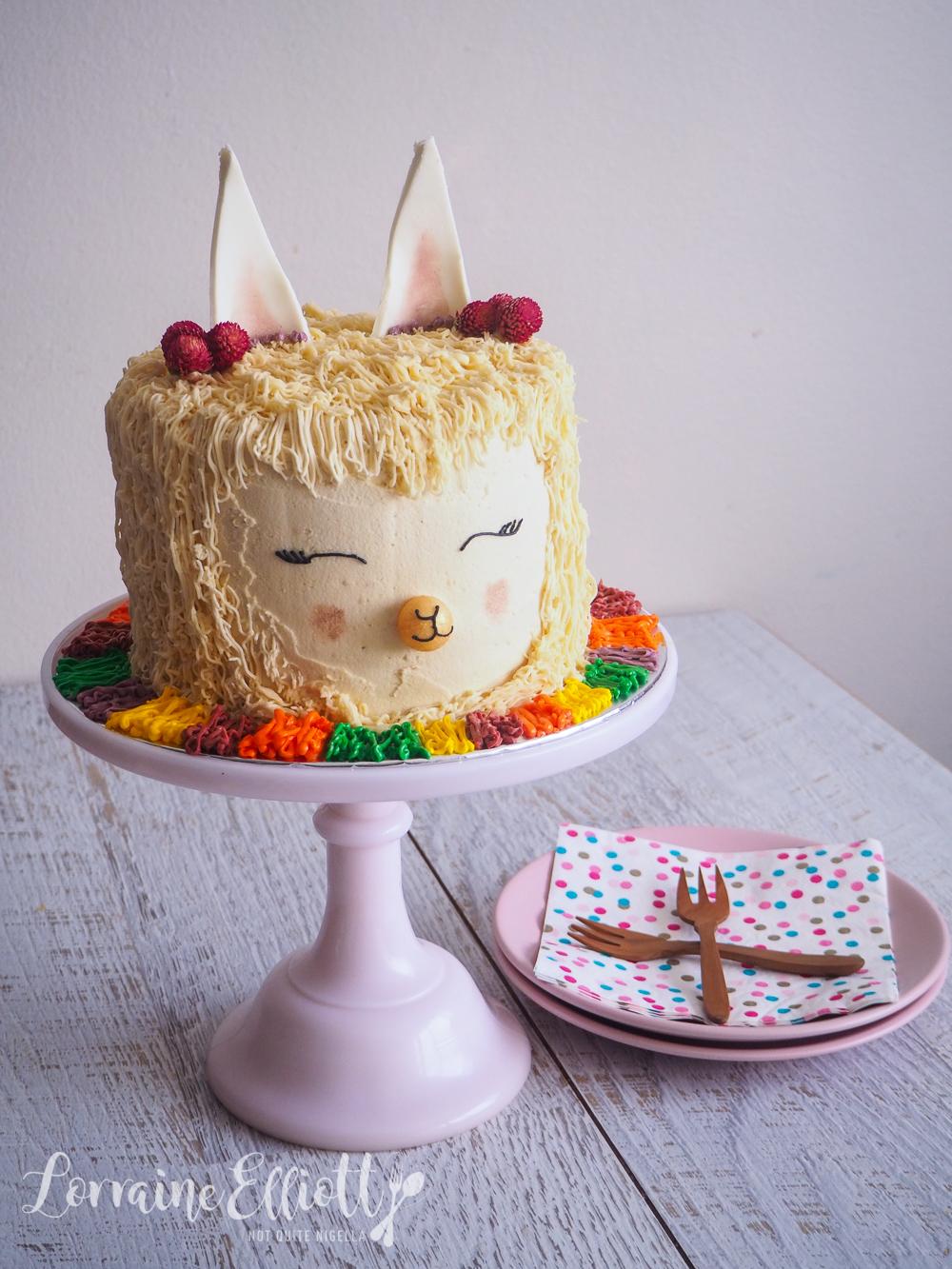 Alpaca Llama Cake recipe
