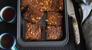 CHEWY ANZAC Biscuit Slice!