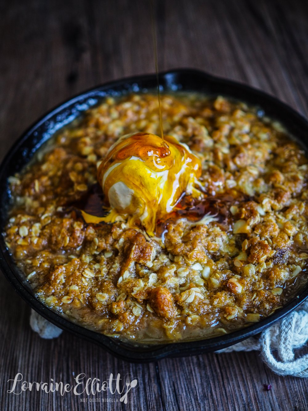 Anzac Quince Apple Crumble