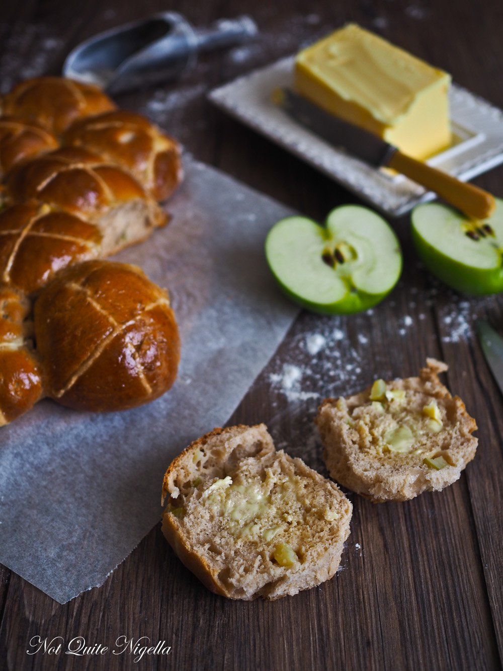 Apple Cinnamon Hot Cross Buns