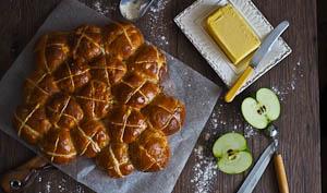 The Softest Apple & Cinnamon Hot Cross Buns!