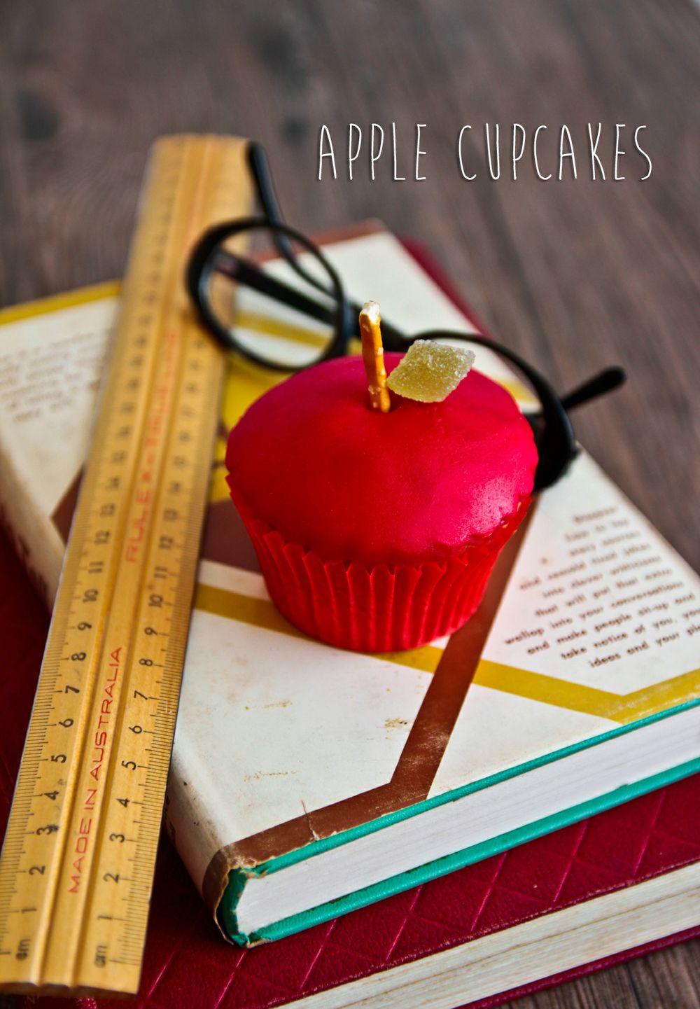 m-apple-cupcake-1-3