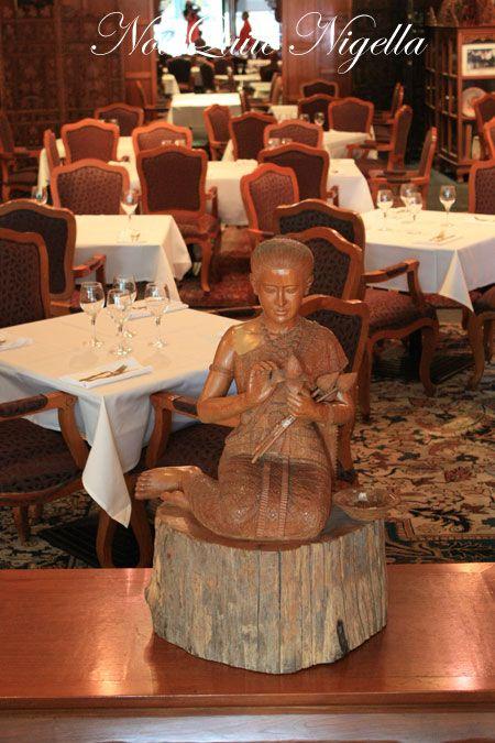arun thai potts point statue