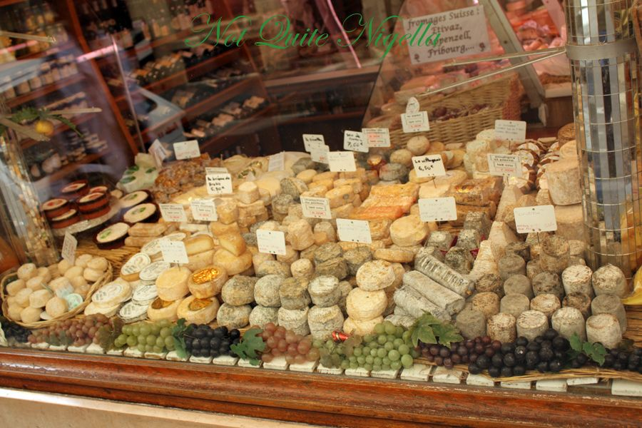 Ile Saint Louis cheeses