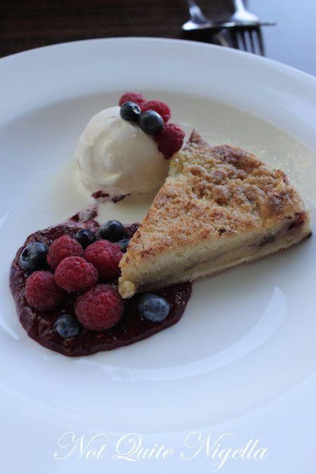 bitton gourmet, alexandria, review, rhubarb crumble