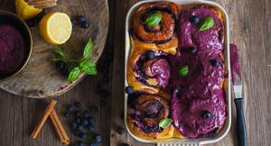 FLUFFY + LIGHT Blueberry, Lemon & Basil Cinnamon Buns!