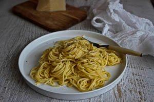 Creamy Cacio e Pepe Spaghetti - Four Ingredients, 15 Minutes!