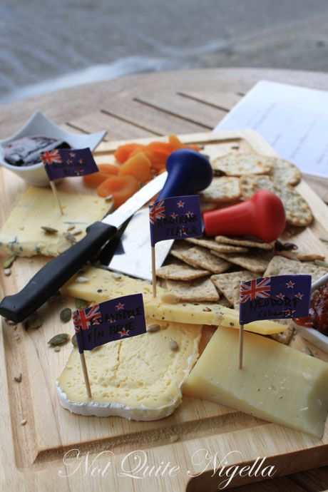 Cafe De Paris & Hokitika Cheese & Deli, New Zealand