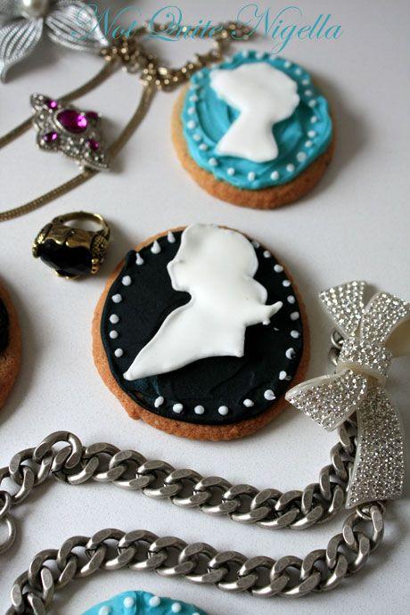 cameo cookies 3