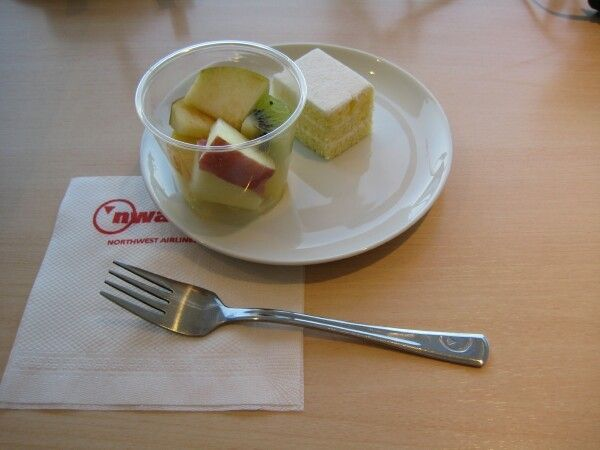 North West Airlines Narita Lounge Desserts