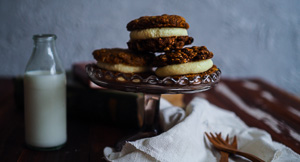 Chewy, Creamy Carrot Cake Cookies!