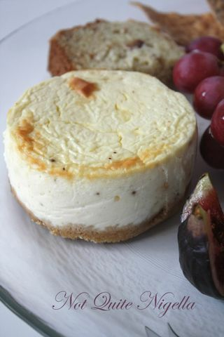 Cheese Plate Cheesecakes: Camembert & Blue Cheese Cheesecake - Daring Bakers April 2009 challenge