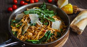EASY Fettucine With Chilli, Rocket & Lemon