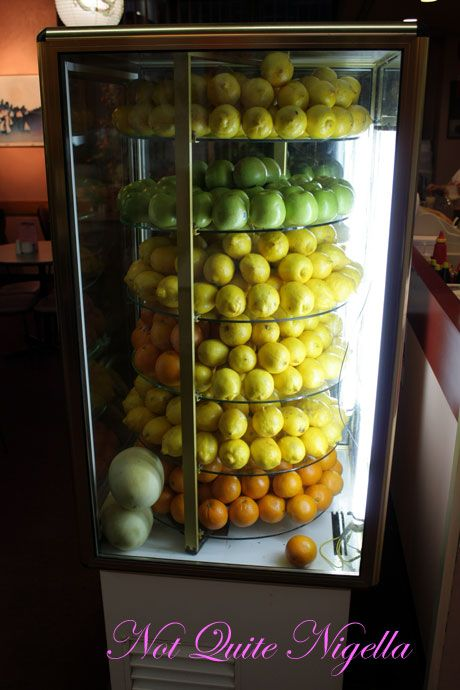 ching yip chinatown lemon display