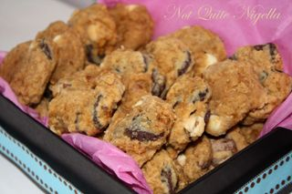Choc chip chickpea cookies