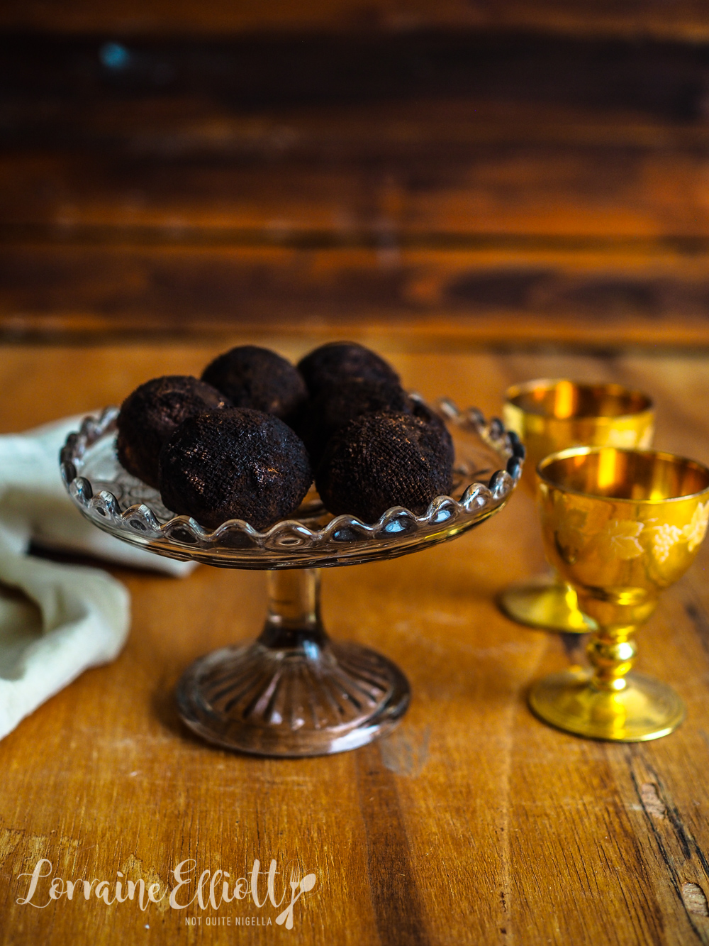 Chocolate Rum Truffles That Look Like Truffles