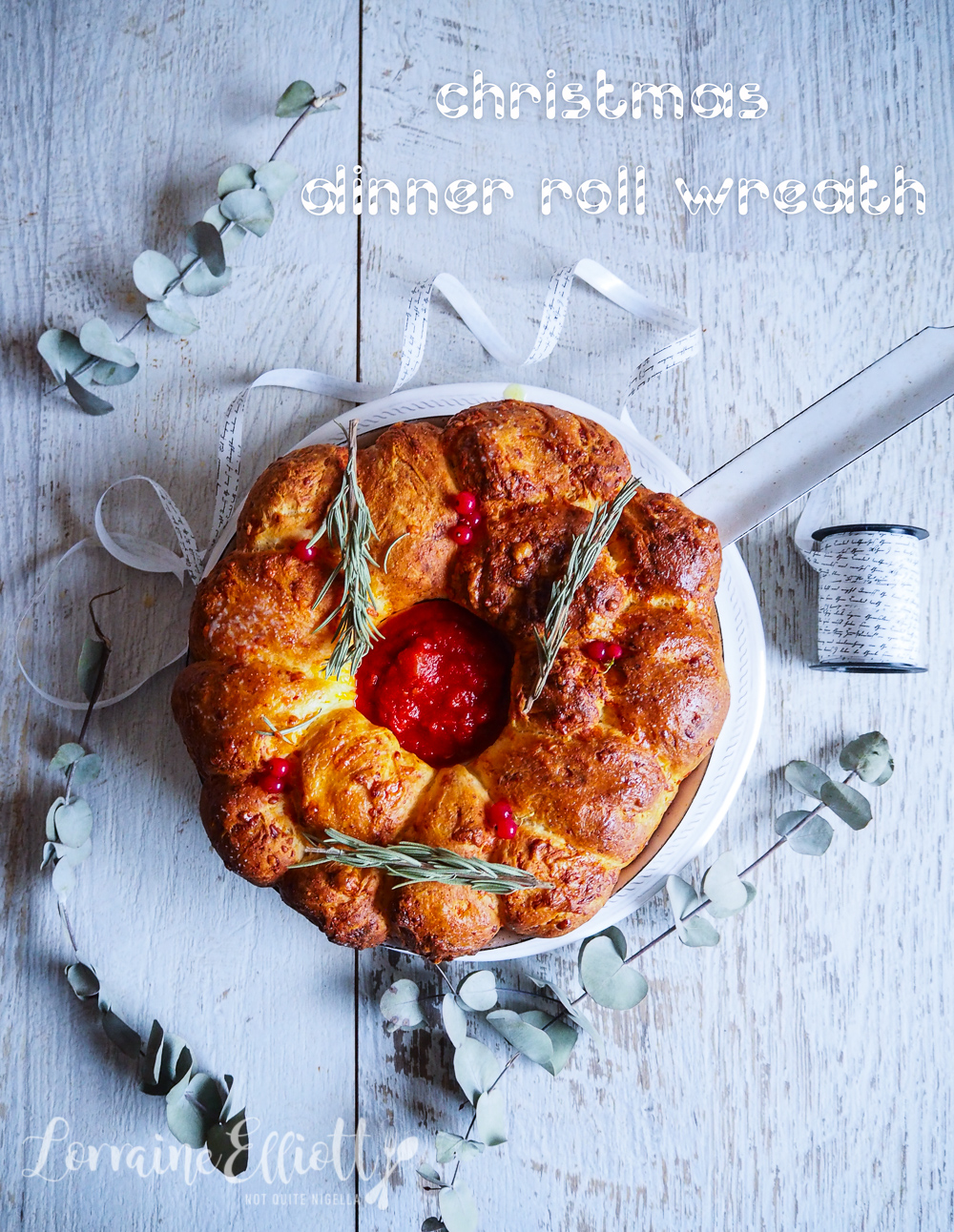 Three Cheese & Garlic Butter Christmas Wreath Bread