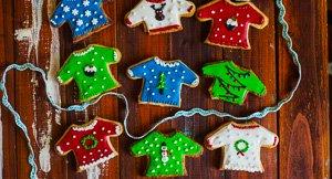 Fleece Navidad: Christmas Sweater Cookies!