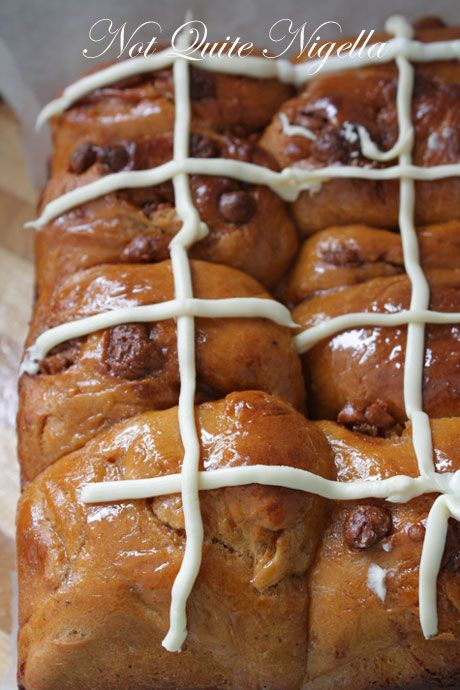 Cinnamon Chocolate Chip Hot Cross Buns