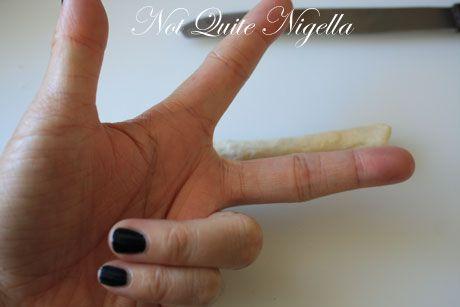 measuring finger