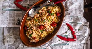 Crabdivating Crab & Tomato Butter Spaghetti!