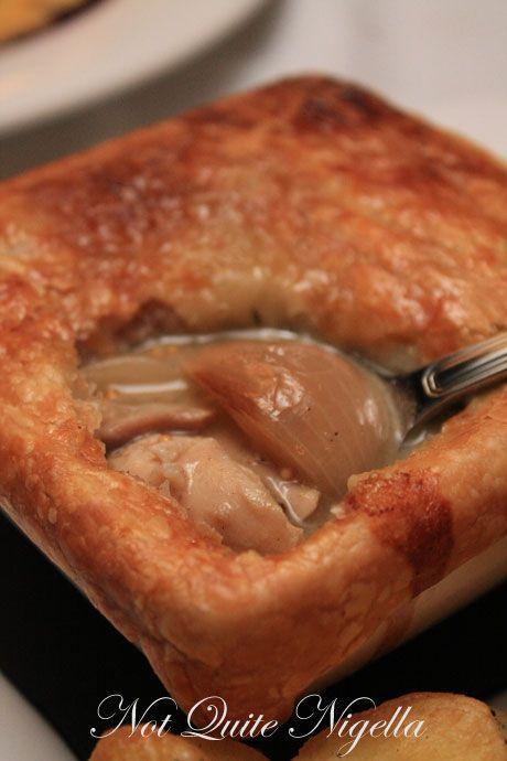 whale inn narooma inside pie