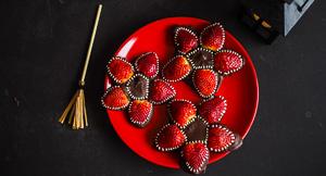 Stranger Things Edible Demogorgon Monster Strawberries!