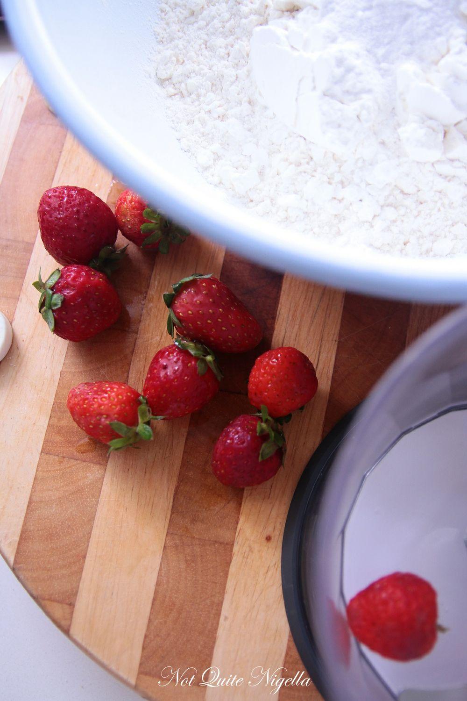 elvis strawberry cake-1