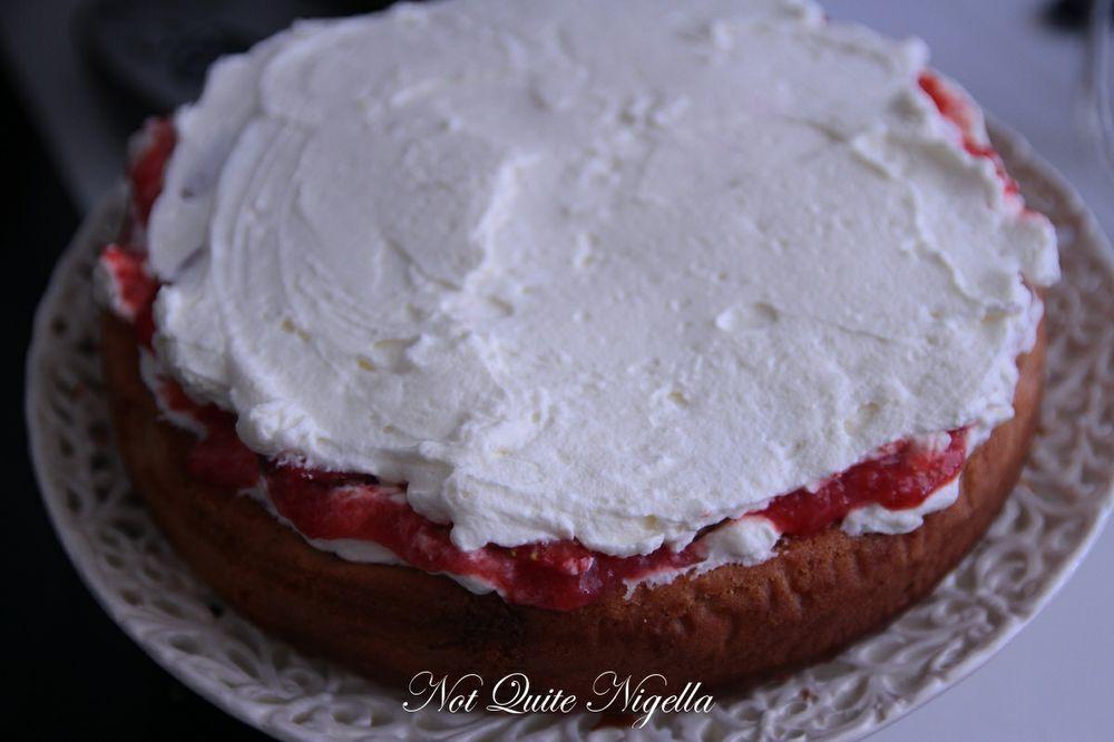 elvis strawberry cake-5