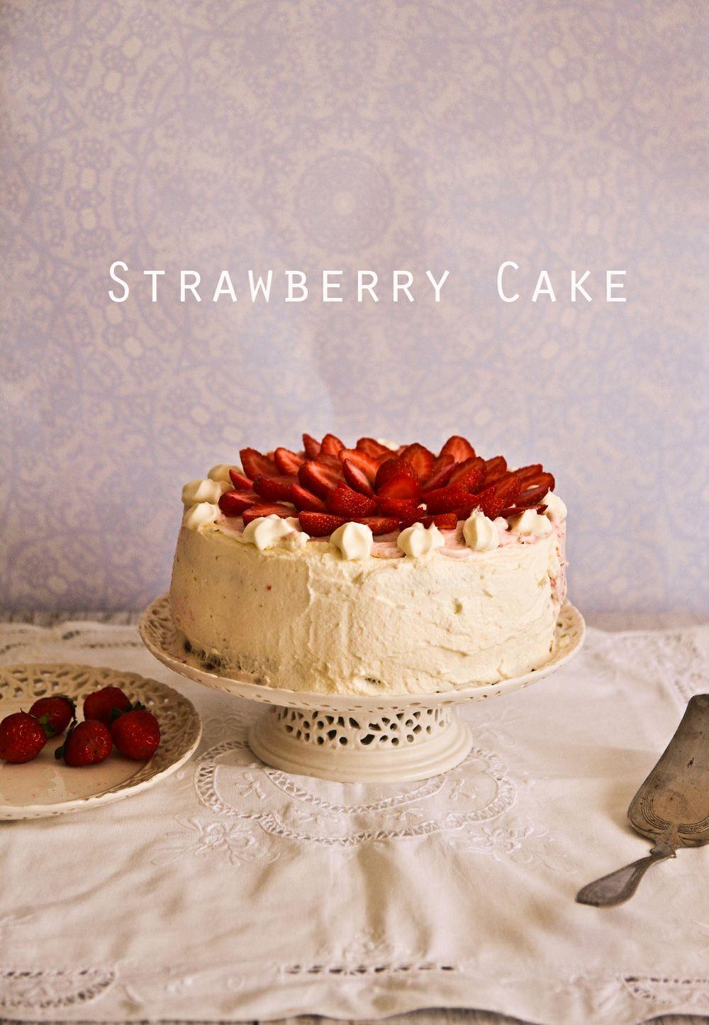 m-strawberry-cake-elvis-1-3