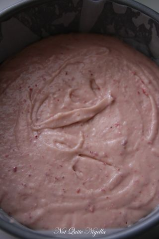 elvis strawberry cake-3