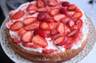 elvis strawberry cake-4