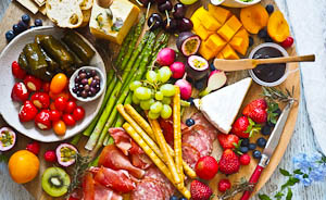 How To Make Delicious But Healthy New Year's Party Platters!