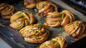 DIVINE Garlic Butter & Parmesan Knots