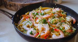 FAST & EASY Garlic Butter Prawn Spaghetti