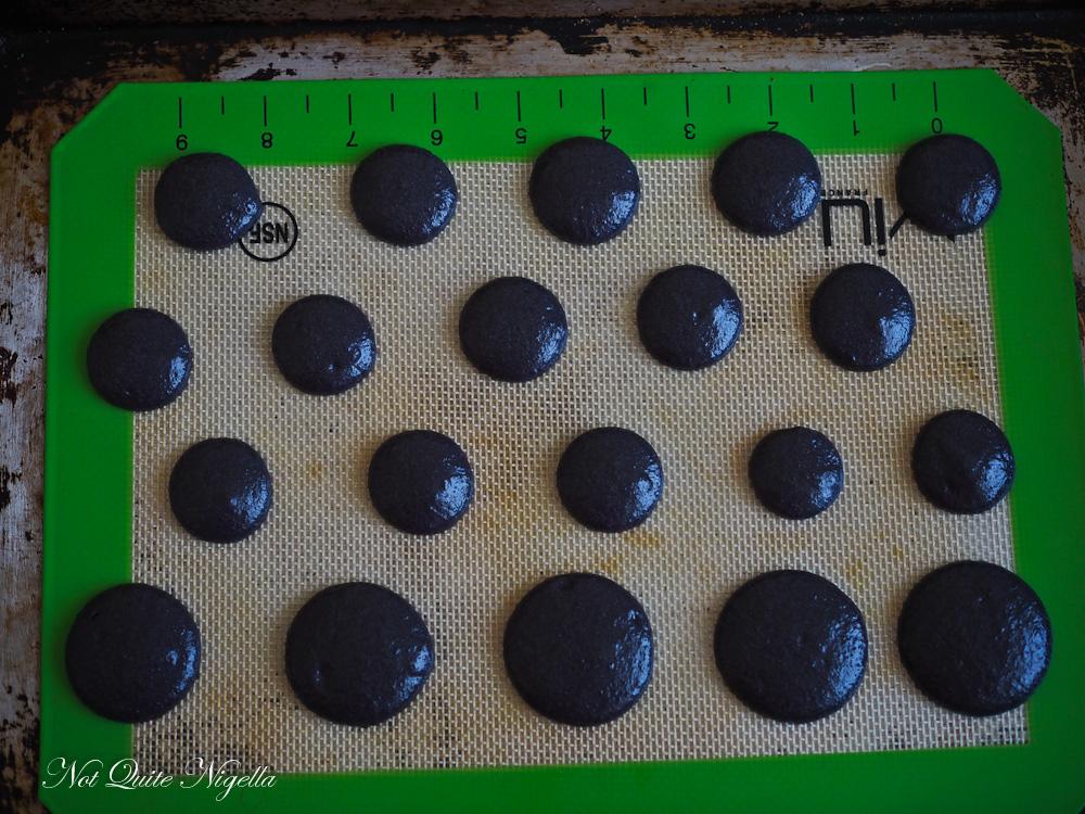 Halloween Macaron recipe