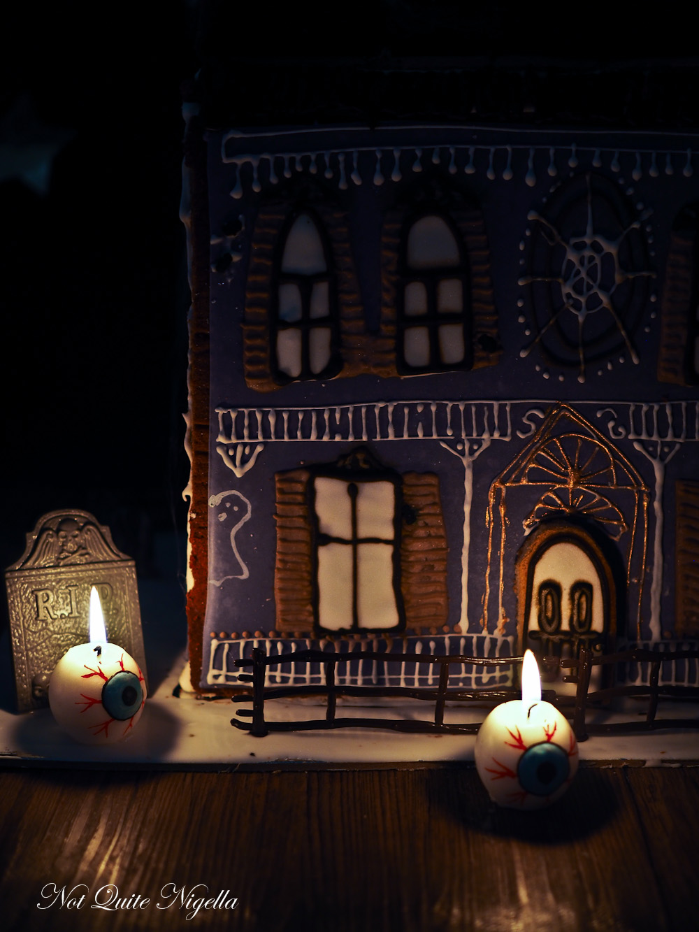 Halloween Sugar Cookie Dollhouse