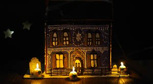 A Haunted Sugar Cookie Doll House!