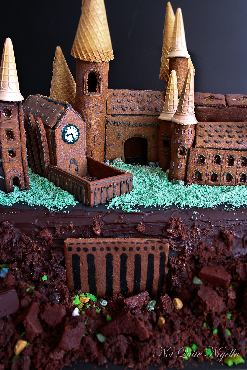 Hogwarts Gingerbread House Not Quite Nigella