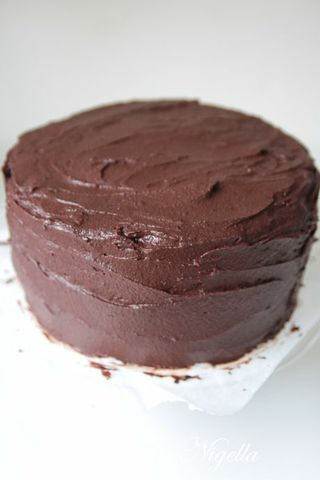 layer cake with chocolate frosting chocolate layer cake with milk ...