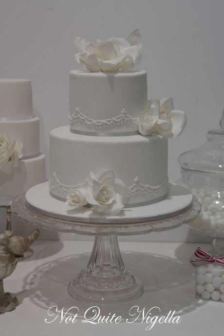 how to make a two tiered wedding cake how to make a two tier wedding cake with cahill 15877